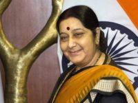 வலதுசாரிகளை கண்டுகொள்ளாமல் அதிர வைத்த சுஷ்மாசுவராஜ்