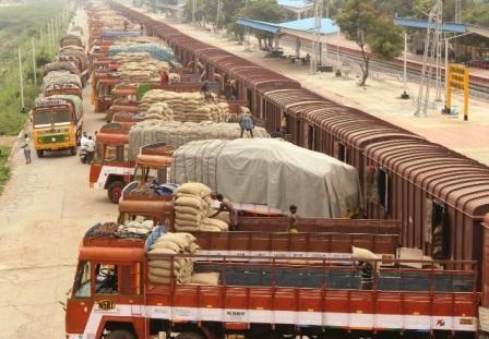 தெலுங்கானாவில் இருந்து 2 ஆயிரத்து 600 டன் ரேசன் அரிசி ரயில் மூலம் நாமக்கல் வந்தடைந்தது
