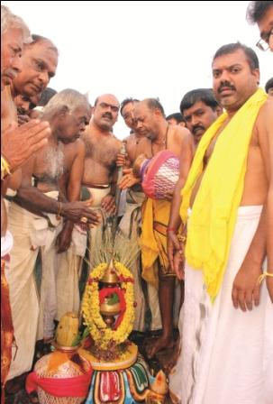 நாமக்கல் அருகே ஆண்டிப்பட்டி கெங்கம்மாள் கோயில் கும்பாபிஷேக விழா