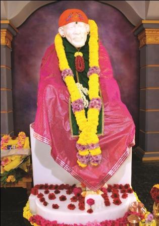 மார்கழி மாத முதல் வியாழக்கிழமையை முன்னிட்டு சீரடி சாய்பாபாவிற்கு சிறப்பு அலங்காரம்
