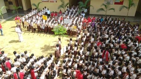ஆல்மைட்டி வித்யாலயா பப்ளிக் பள்ளியில் பிளாஸ்டிக் ஒழிப்பு விழிப்புணர்வு உறுதிமொழி
